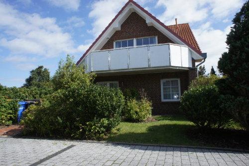 Das Haus mit Garten und Balkon