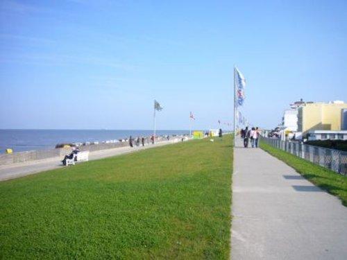 Am Strand spazieren