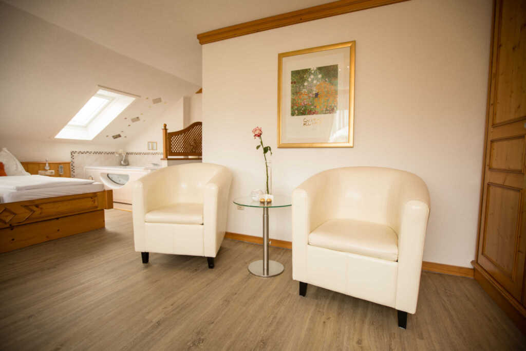 Pension KNOLL am Attersee, Fewo 1 de luxe mit Balk