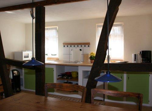 Die Küche: offen und gut ausgestattet