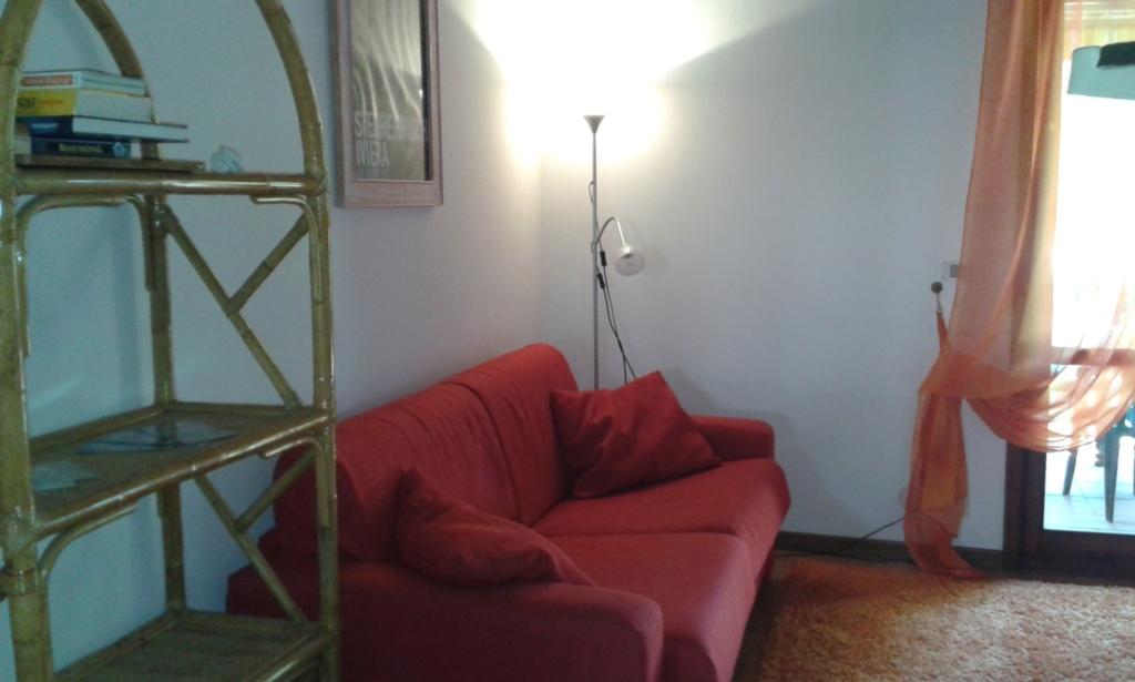 Signora Ruth - Casa Rossa, Casa Rossa