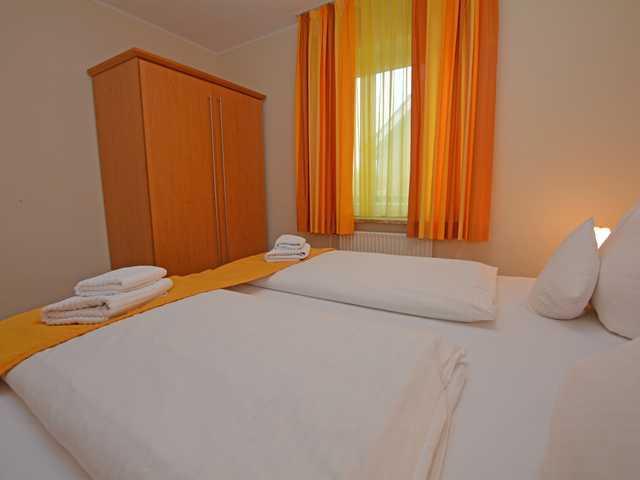 BUE - Hotel 'Insel B�sum', DZ-F - (5,7,10) B-T 2P