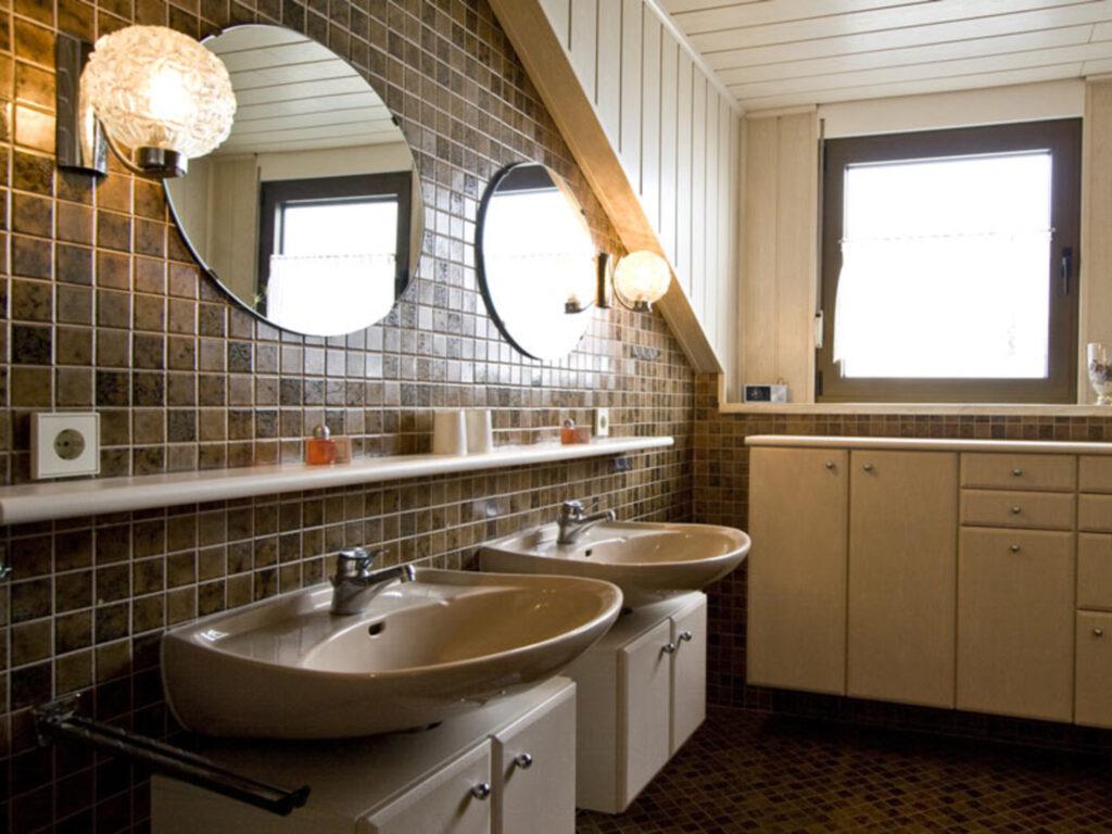G�stehaus Krafft, Vierbettzimmer-B mit Bad (Dusche