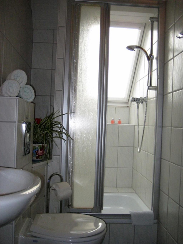 G�stehaus Krafft, Vierbettzimmer-A mit WC und Dusc