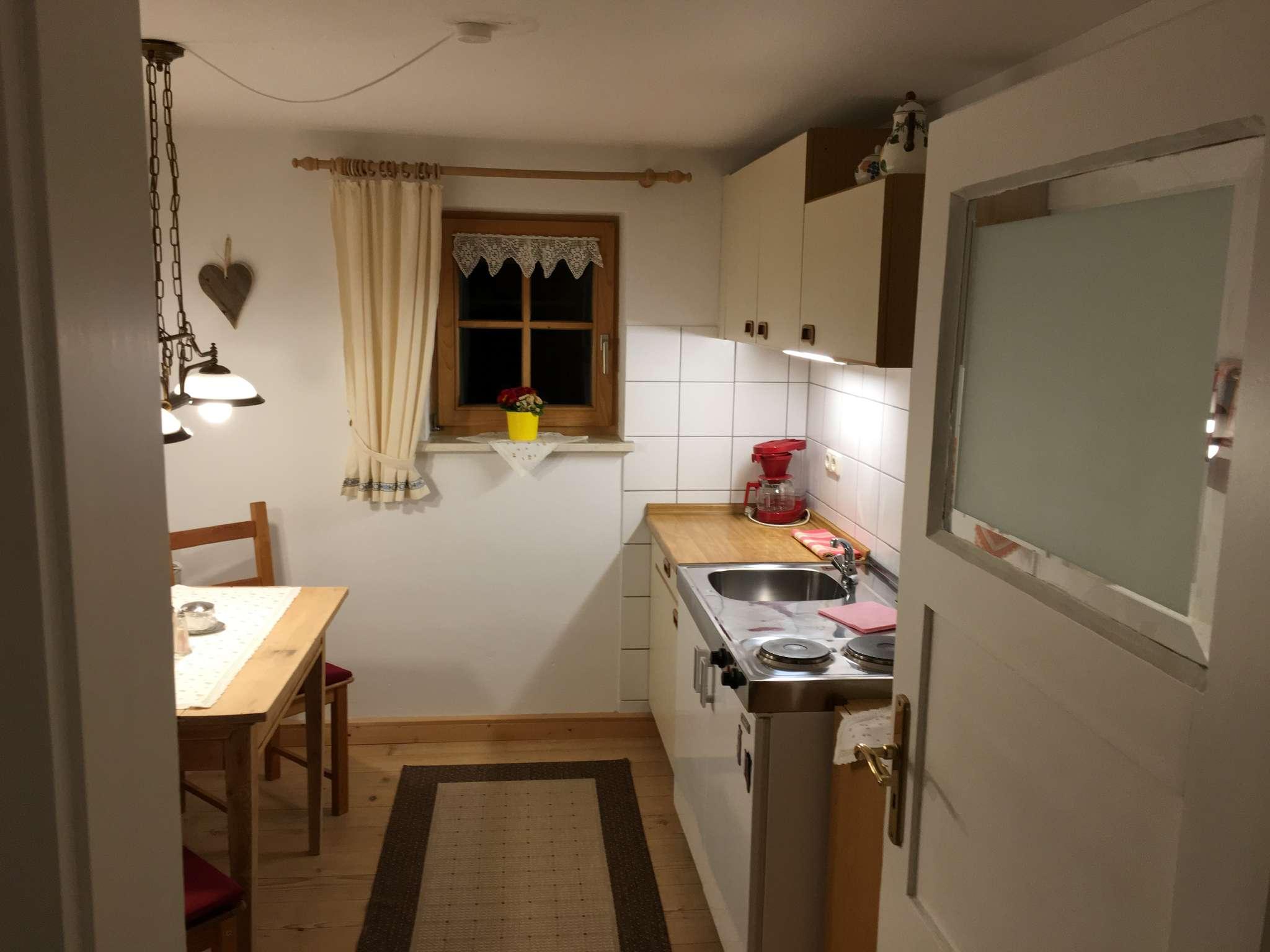 Fewo: Wohnzimmer mit Balkon