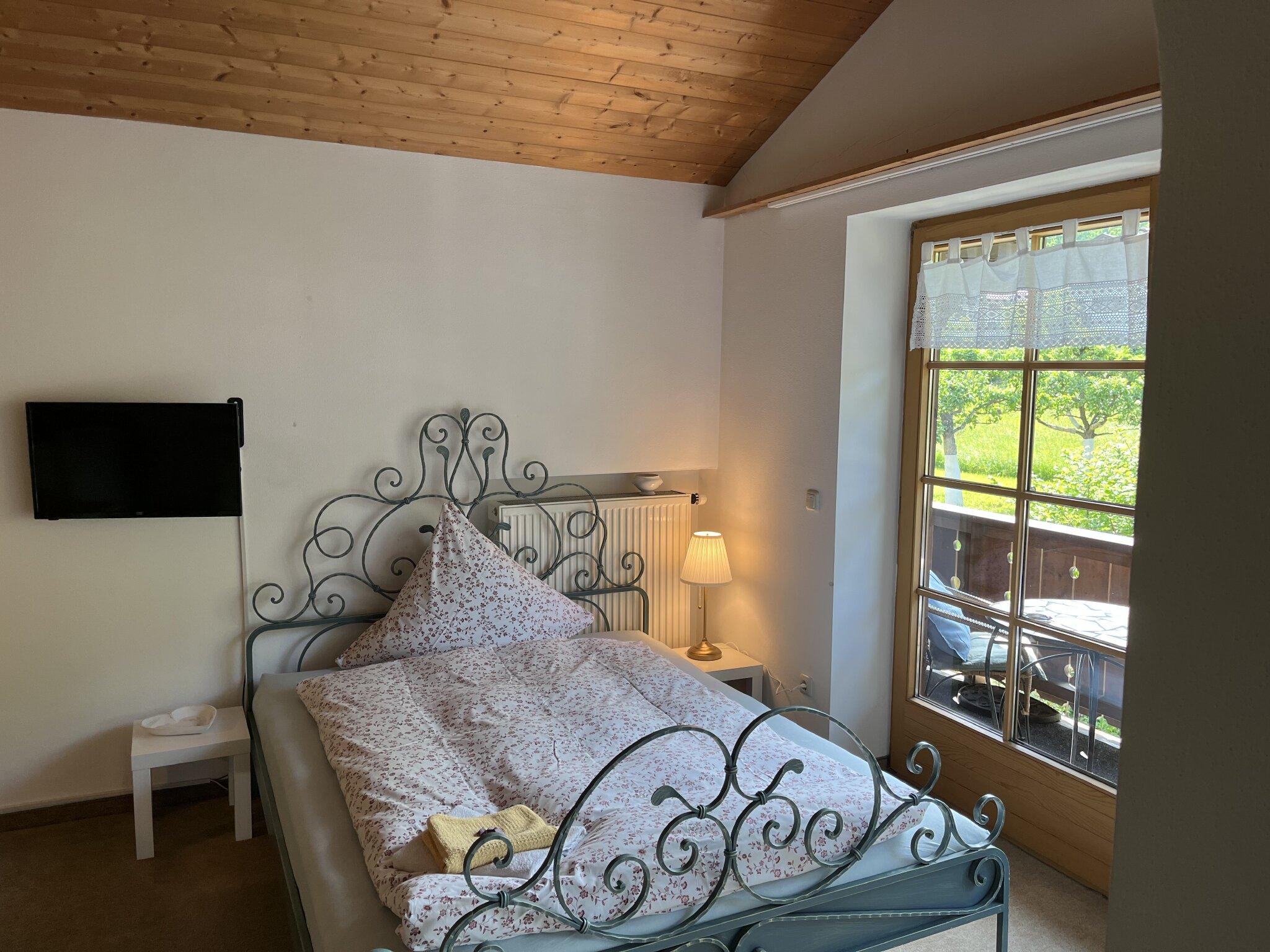 Apartment: Wohn-/Schlafzimmer