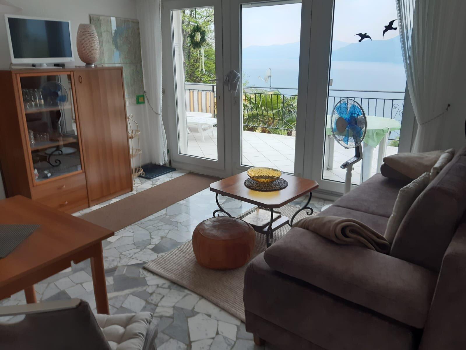 Sitzmöglichkeiten im Wohnzimmer (1)
