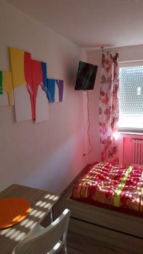 Einzelzimmer mit Flat TV