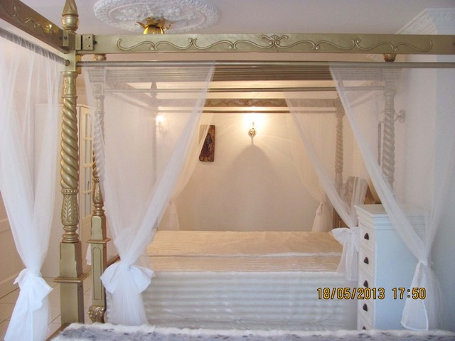 STORCHENF�RBE, 5 ***** Sterne LUXUS SUITE BARONESS