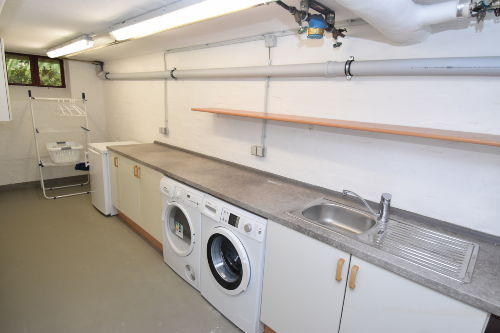 Waschmaschine/Trockner und Gefriertruhe