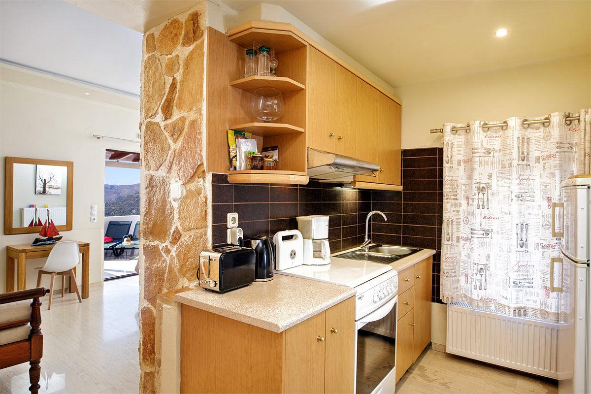 Die voll ausgestattete Küche Zimmer der