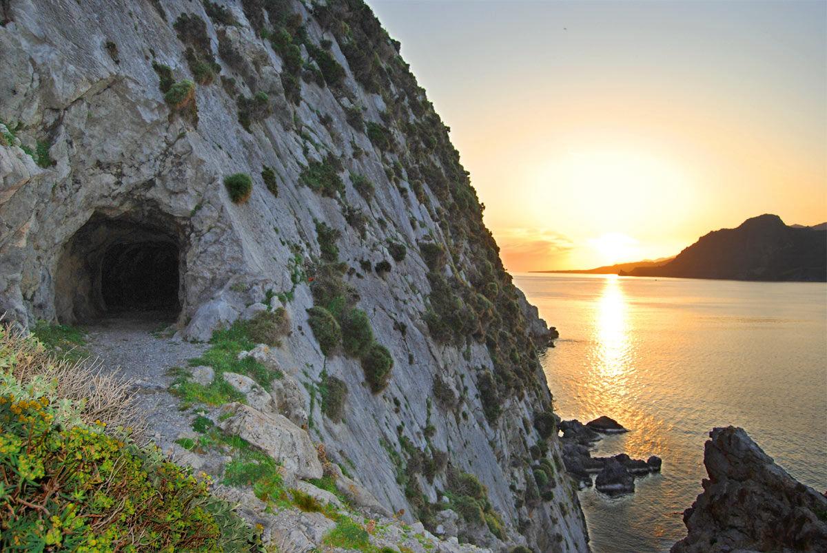 Plakias Höhlen