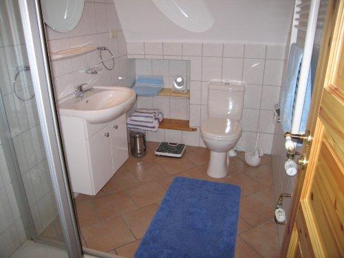 Toilette mit Dusche
