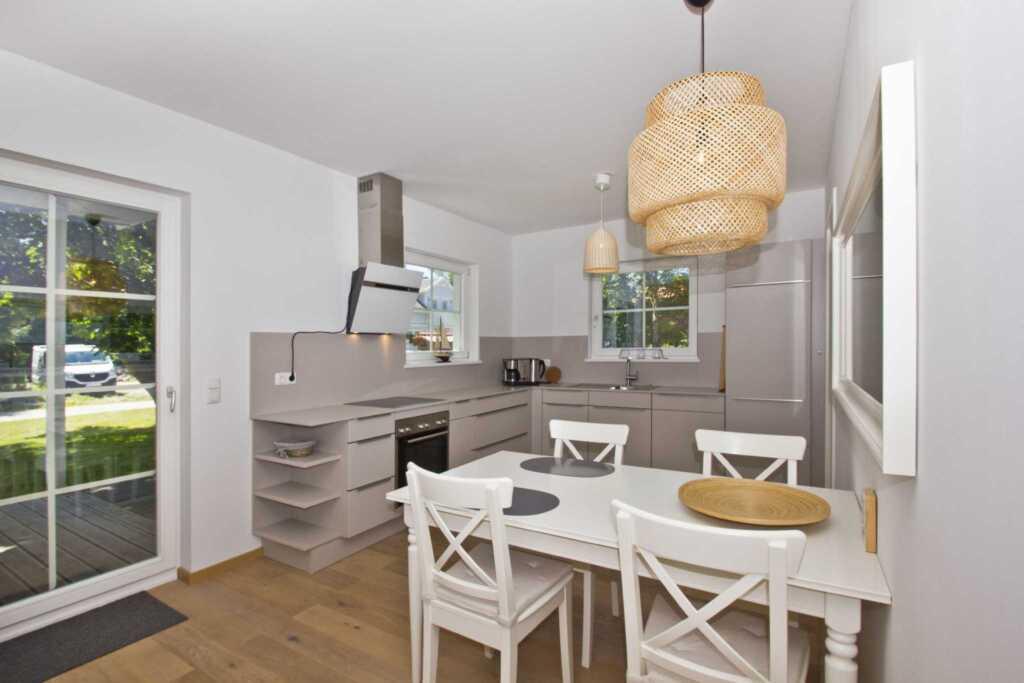 Ferienhaus Wiekend, 73m²; 2-Raum; 2 Pers + Kind; T