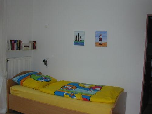 Das Einzelbett im Schlafzimmer