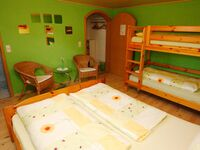 Gästehaus Diebold, Vierbettzimmer grün mit WC und Dusche*** in Rust - kleines Detailbild