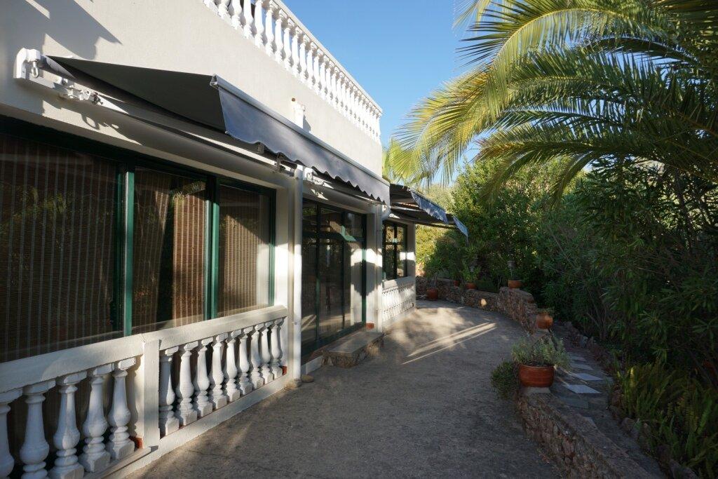 Garten mit Parkmöglichkeit