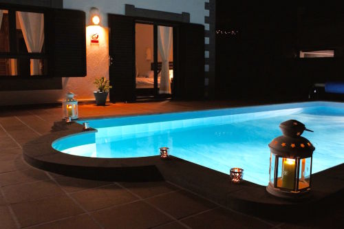 Der Pool nachts...