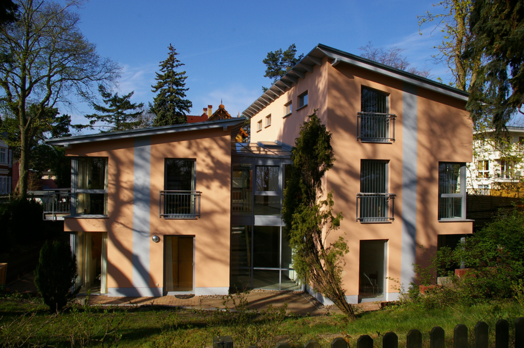 Haus auf dem H�gel - Die Moderne, H�gel Wohnung 08