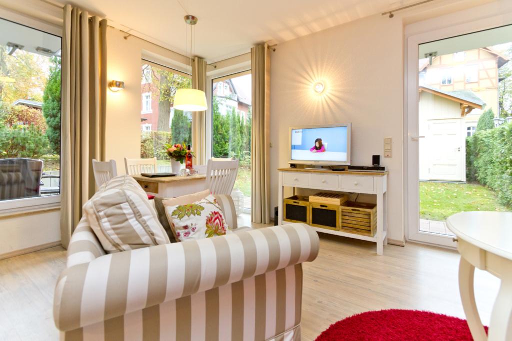 haus auf dem h gel die moderne h gel wohnung 08 in heringsdorf seebad mecklenburg. Black Bedroom Furniture Sets. Home Design Ideas