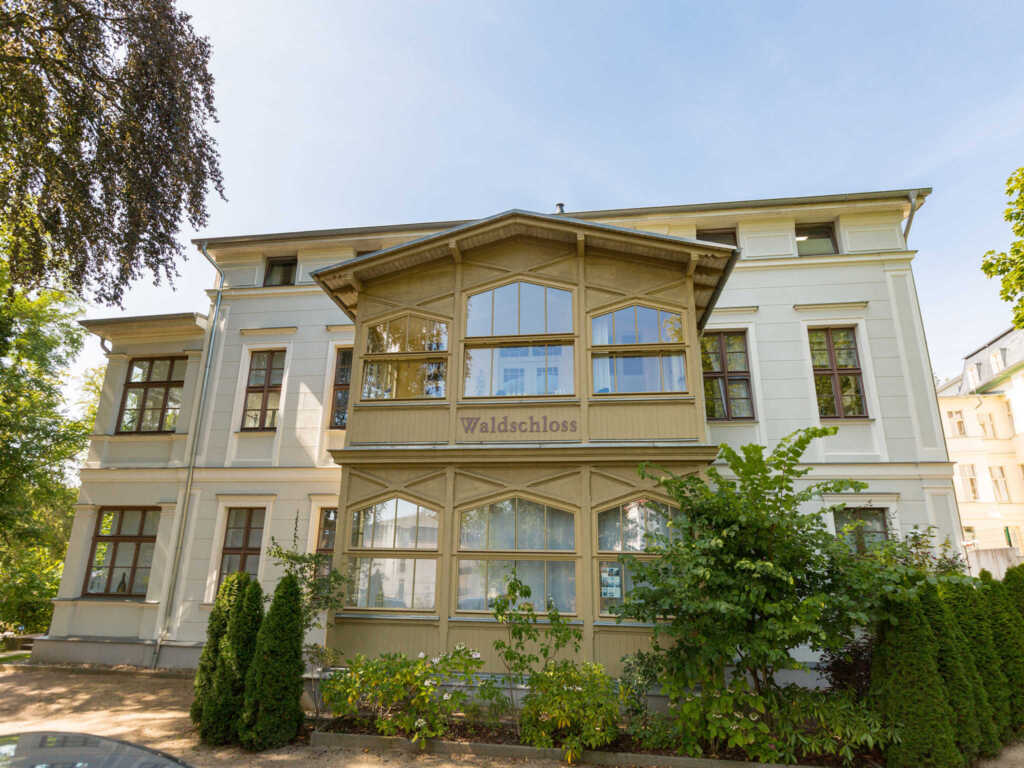 Villa Waldschloss, Waldschloss 01