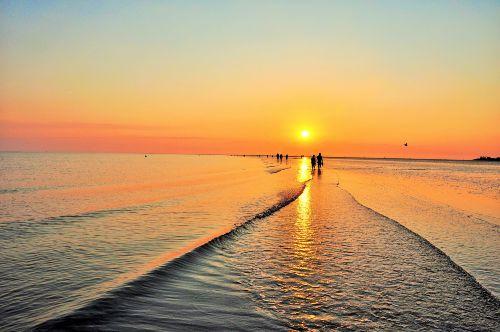 Sonnenuntergang im Watt