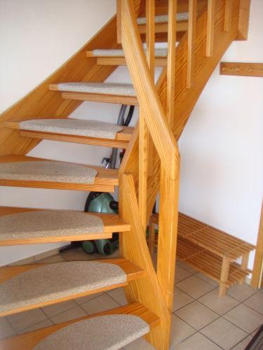 Treppe ins Obergeschoß