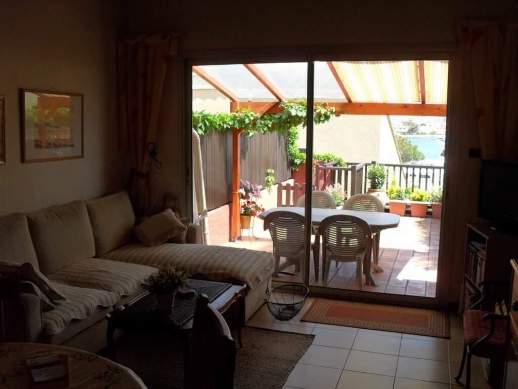 Wohnzimmer/S�jour mit Terrasse