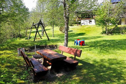 Grillplatz und Kinderspielwiese