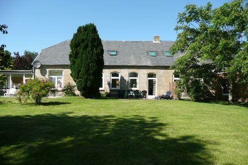 Gartenansicht Sonnenwohnung im Landhaus
