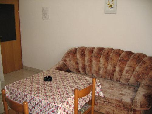 Wohnküche mit ausziehbarer Couch