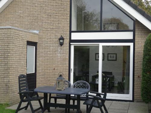 Ferienhaus Ouddorp mit Terrasse - Garten