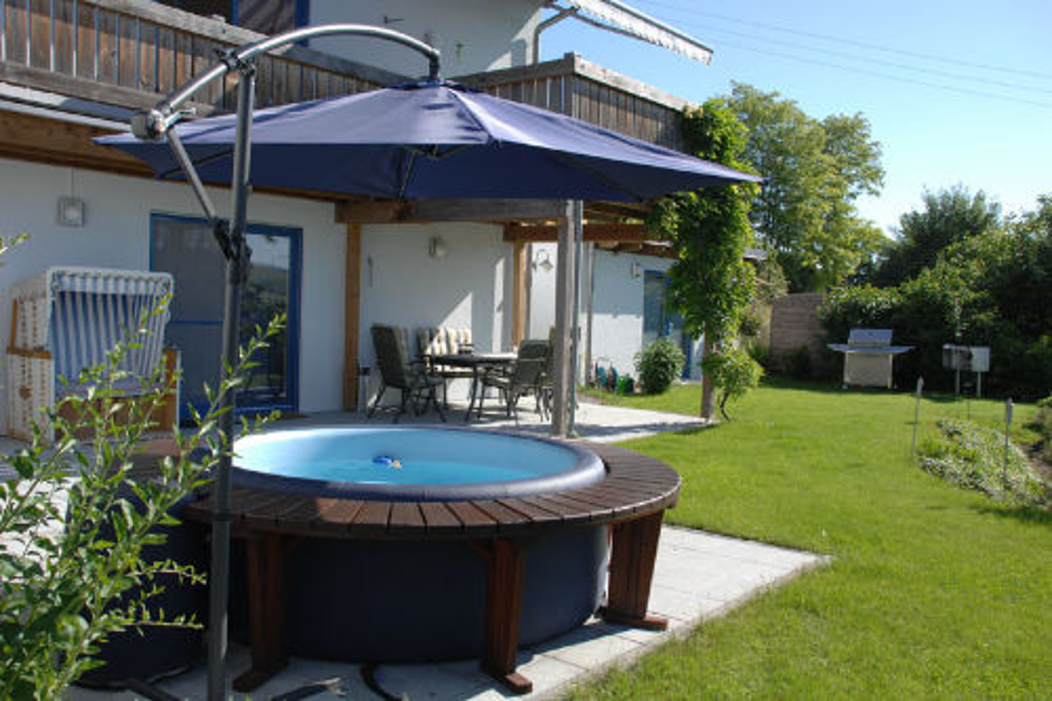 Whirlpool und Terrasse,