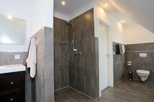 Badezimmer groß im 1. OG
