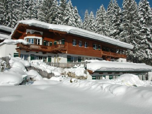 Unser Appartementhaus im Winter