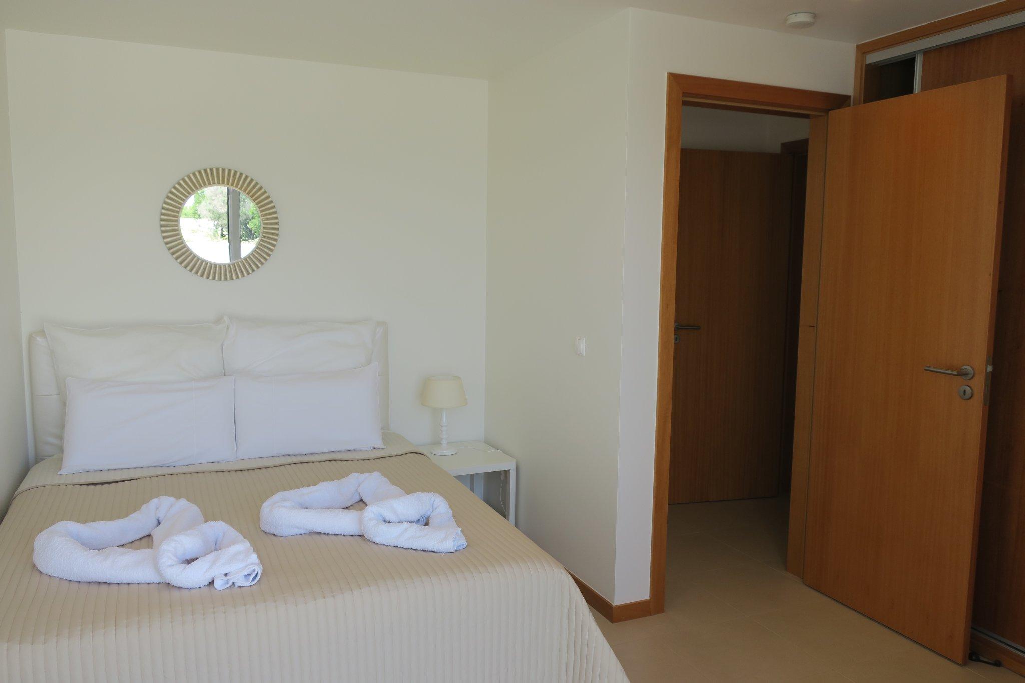 Badezimmer mit Wanne und Bidet en suite