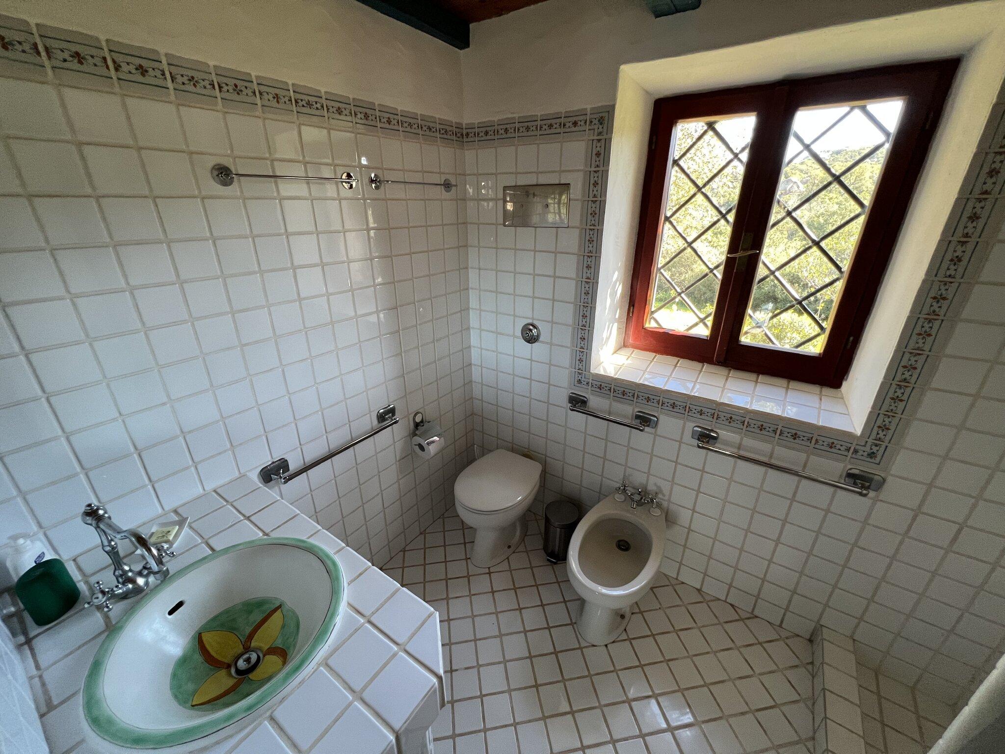 Doppelbett auf der Schlafempore