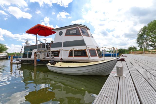 Hausboot Karnin