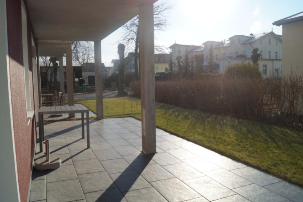 Kieselstein - mit großer Terrasse und dem Rhododen