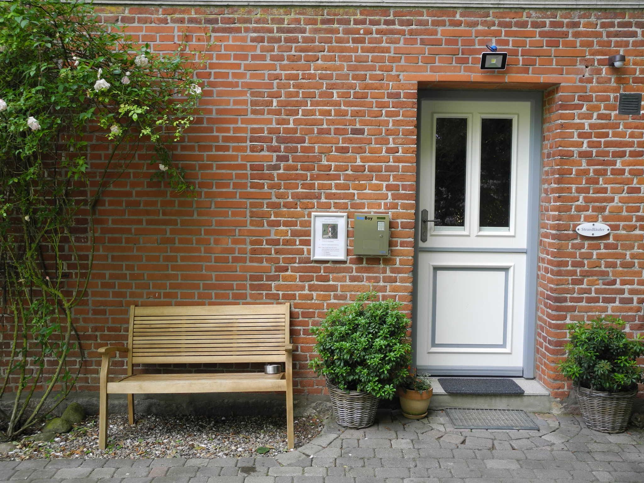 Sitzplatz im großzügigen Garten