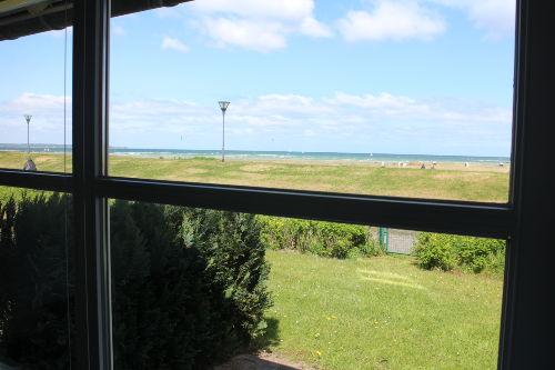 Blick aus dem bodentiefen Fenster