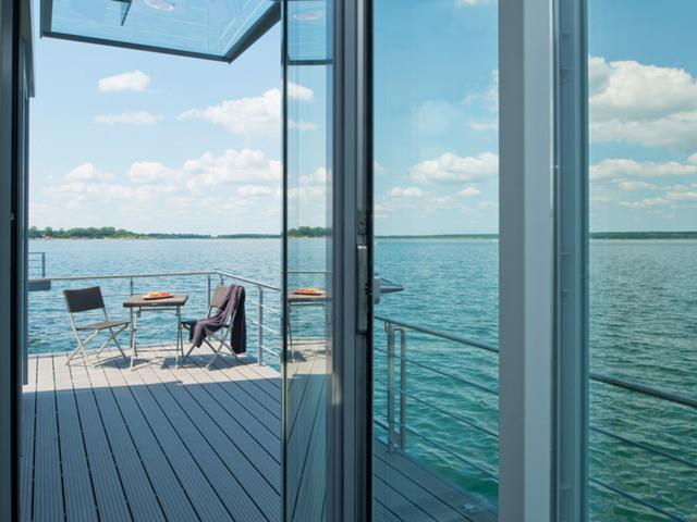 Schwimmendes Haus im Lausitzer Seenland Resort, Wo