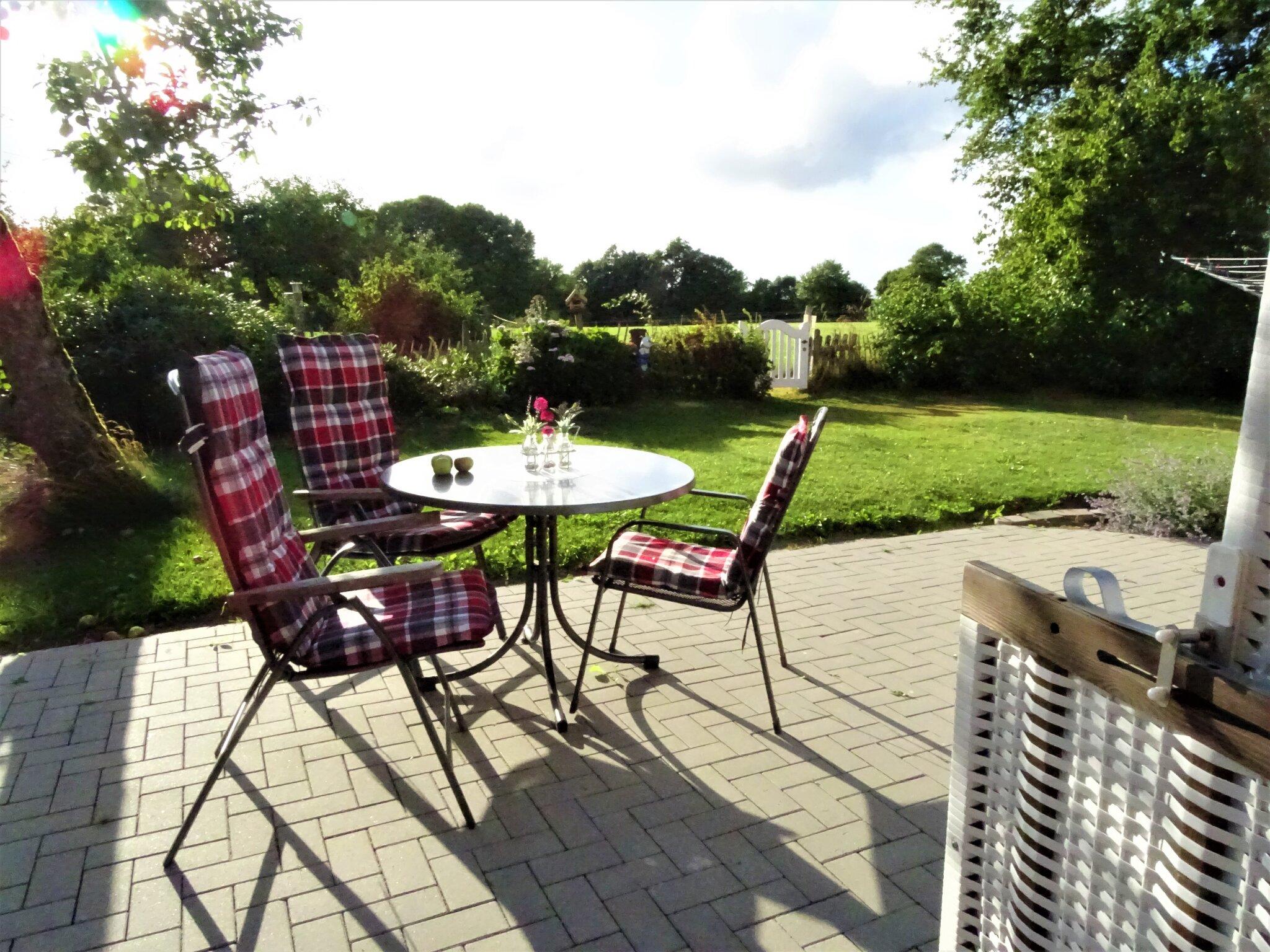 Terrasse mit eigenem Gartengrundstück