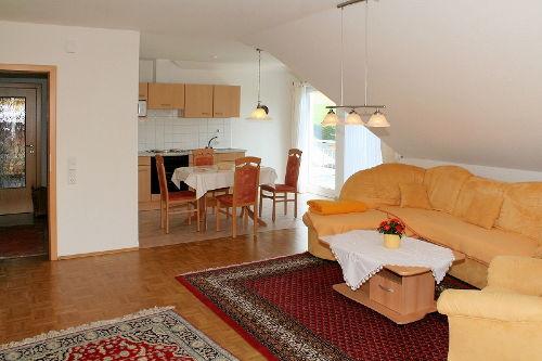 Wohnzimmer mit viel Platz (und TV,WLAN)