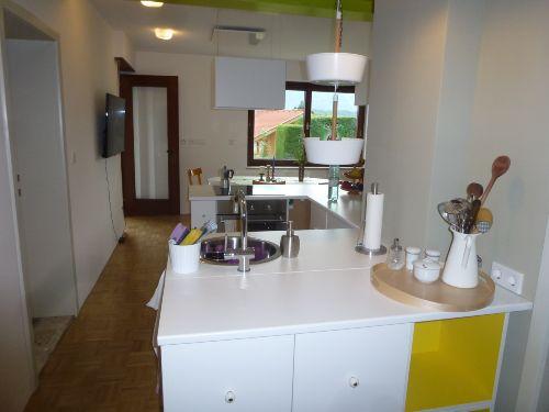 Blick von der Wohnungstür in die Küche