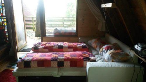 Sofabett und Ausgang auf die Terasse
