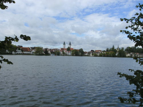Ansicht von Bad Waldsee über den Stadtsee