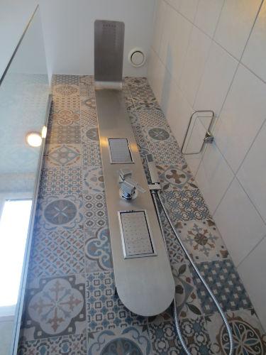 Dusche unterhalb