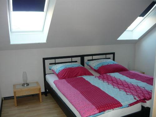 Großes Schlafzimmer/Schrank/Schreibtisc