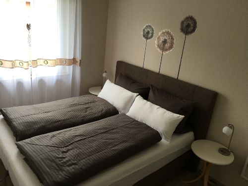 Schlafzimmer 2 (Bett 160x200)